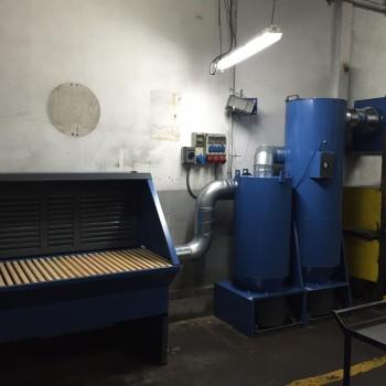 Mesa de aspiracion con filtro y separador ciclonico para polvo